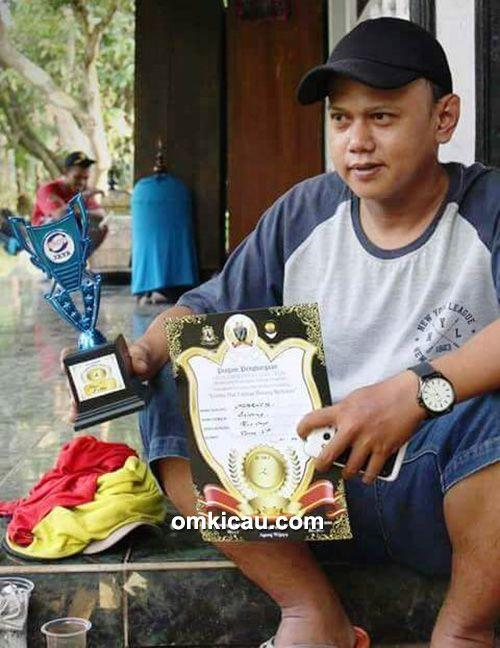 Om Boteng (Omkicau.com)