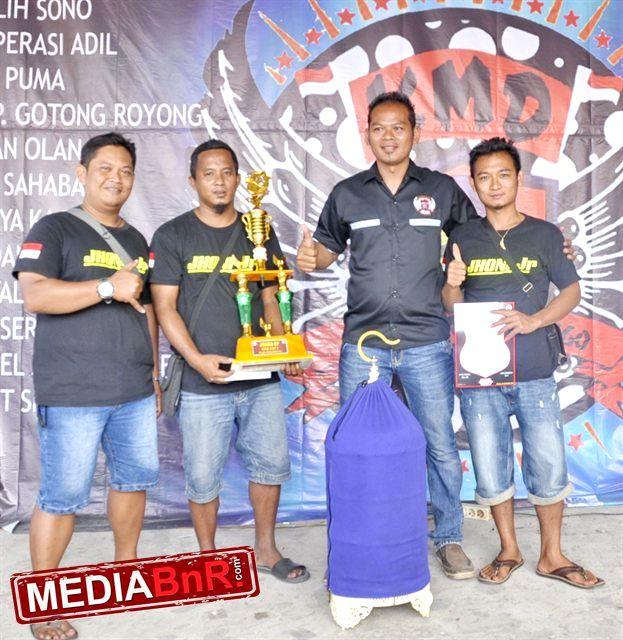 Om Adi LP Magelang dengan timnya (Mediabnr.com)