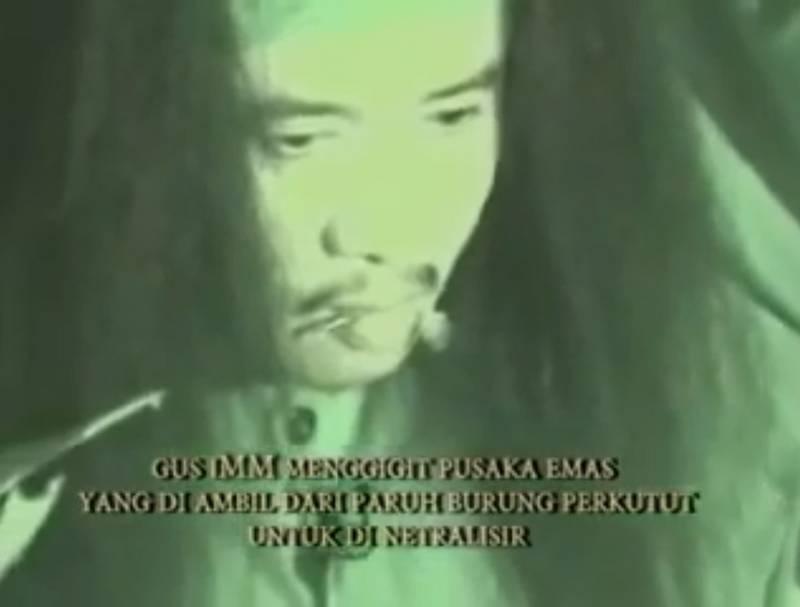 Keris Emas Digigit Paranormal untuk Dinetralisir (youtube.com)