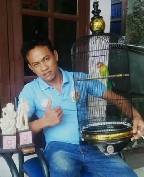 Om Ali DAC penemu terapi bambu gila untuk Lovebird (facebook.com-Ali)