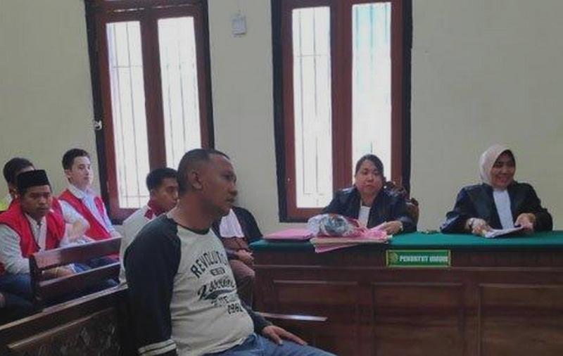 Jual Burung Legal Seorang Pria Diadili di Pengadilan (tribunnews.com)