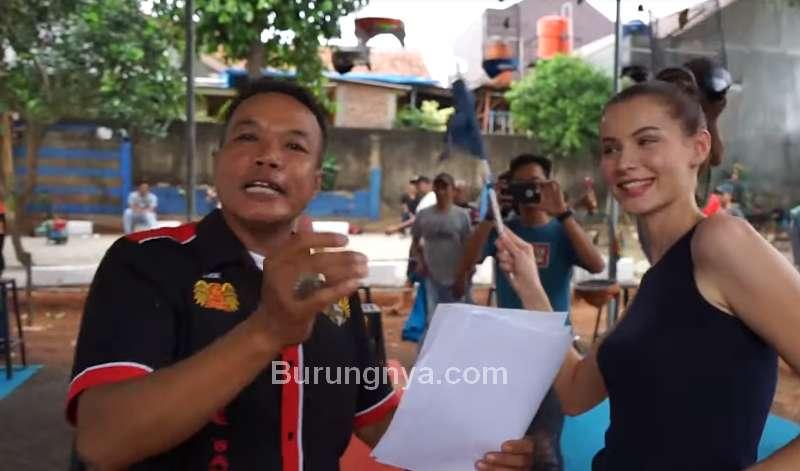 Bule Cantik dan Lovebird Madona dapat Juara 2 (youtube.com)