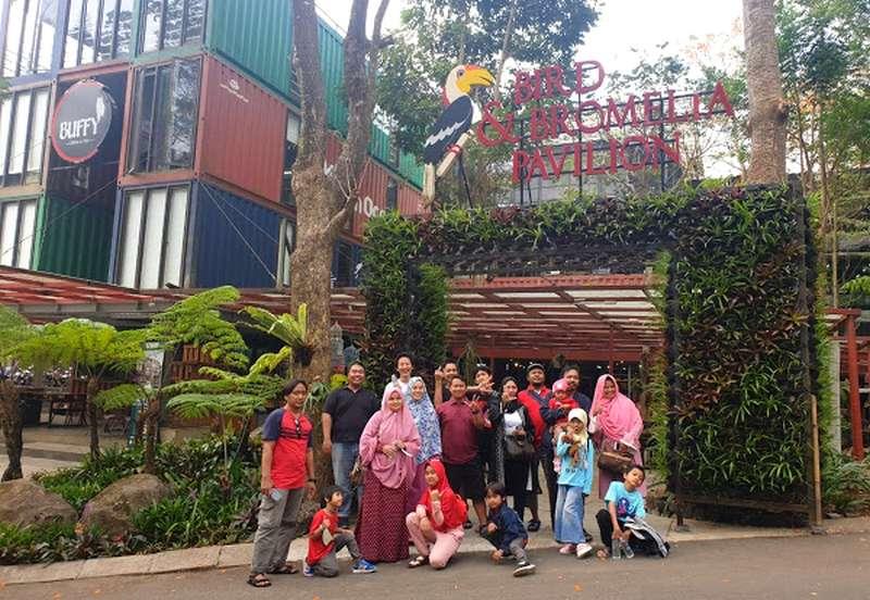Taman Burung di Bird Bromelia Pavilion Bandung (bird-pavilion.business.site)