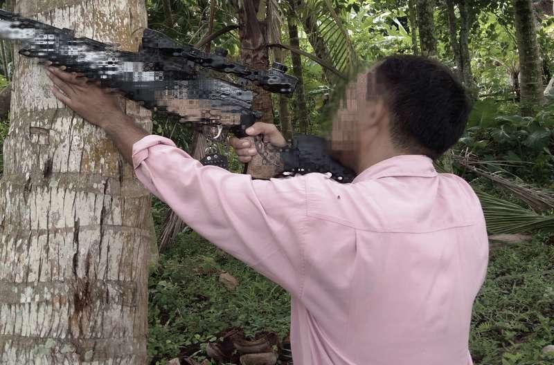 Ayah Tak Sengaja Tembak Anak karena Dikira Burung (busy.org)