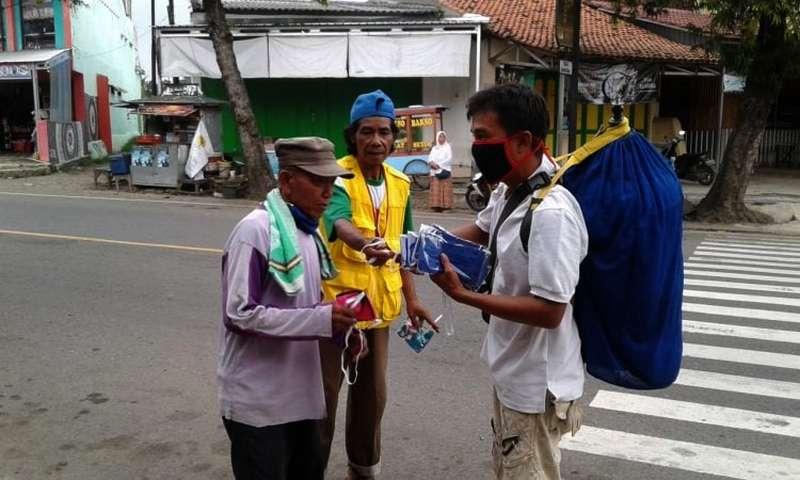 Kicau Mania Peduli Bagikan 1000 Masker Gratis ke Masyarakat (panturapost.com)